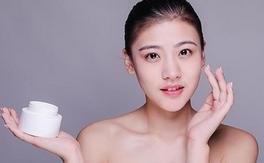 保持皮肤健康的每日秘诀和简单的抗衰老秘诀
