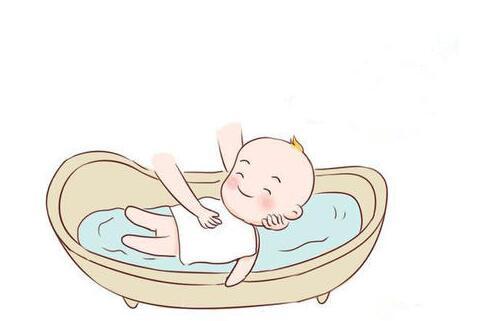 宝宝出生后前24小时,第一次洗澡的注意事项