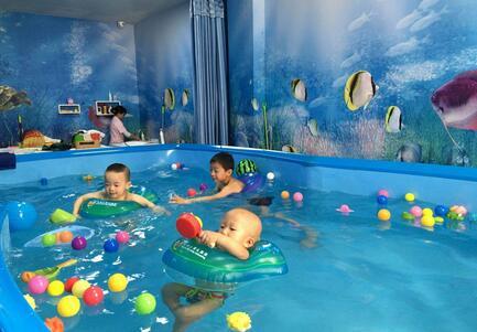婴儿游泳池哪个牌子好,婴儿游泳的好处