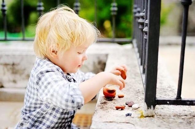 家长可以引导孩子做一些家务,这样可让孩子变得更加优秀