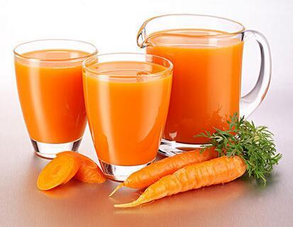 胡萝卜榨汁要煮熟吗,胡萝卜怎么榨汁最好喝
