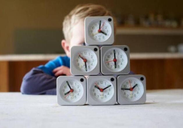 总是被催促的孩子,长大后会出现这4个缺点